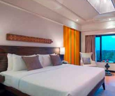 Deluxe Double With Breakfast, https://imgcld.yatra.com/ytimages/image/upload/c_fill,w_400,h_333/v1467539887/Domestic Hotels/Hotels_Chennai/The Raintree Hotel, St.Mary's/Deluxe Double With Breakfast/Deluxe_Double_With_Breakfast_kzKHMH.jpg