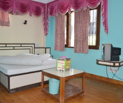 Hotel Tirupati Palace, The Mall,