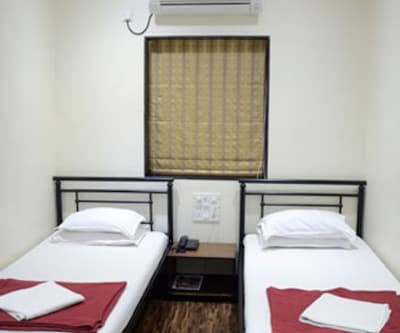 Superior Room, Superior double rooms are elegantly designed with comfortable beds, make-up mirror, TV set with premium channels and a neat attached bathroom with constant supply of hot/cold water.