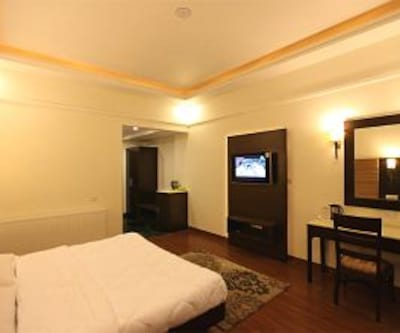Grand View Hotel Near Bus Stand, Near Bus Stand,