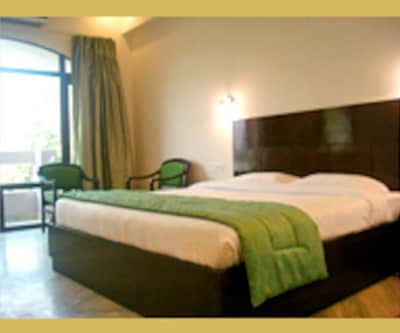 Hotel 42 Amritsar, Mall Road,
