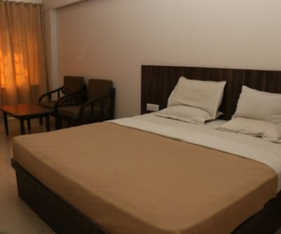Hotel Kohinoor Plaza, New Samarth Nagar,