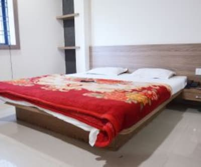 Hotel Lords Inn Regency, South Tukoganj,