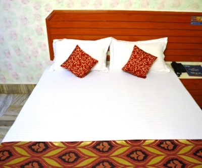 Hotel Padmini International, Sigra,