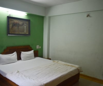 Hotel New Mamta, Sunset Road,