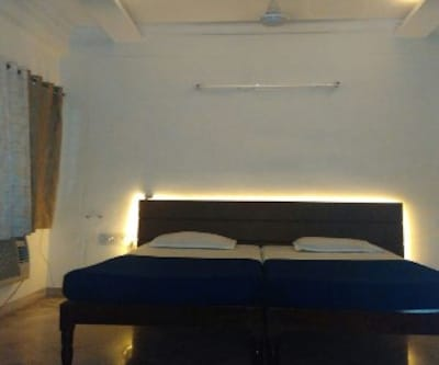 Mantralaya Lodge, ,