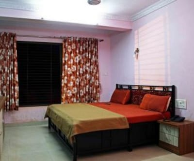 Bungalow, https://imgcld.yatra.com/ytimages/image/upload/c_fill,w_400,h_333/v1467983144/Domestic Hotels/Hotels_Lonavala/RIVERSIDE VILLA/Bungalow/Bungalow_TvCi5z.jpg