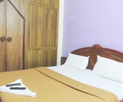 Ac Standard Room, https://imgcld.yatra.com/ytimages/image/upload/c_fill,w_400,h_333/v1467986136/Domestic Hotels/Hotels_Mumbai/Hotel Stay Inn International/Ac Standard Room/Ac_Standard_Room_lylCrW.jpg