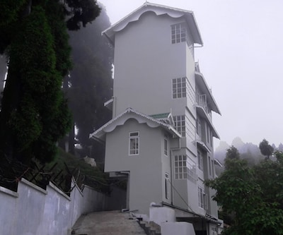 Anutri Hill Resort,Darjeeling