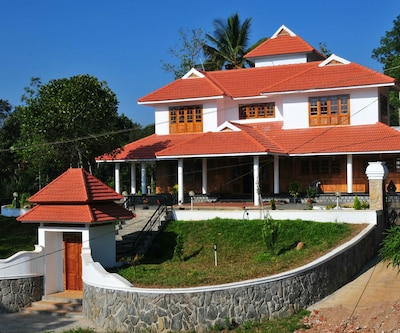 Camel Back Plantation Bungalow,Thekkady