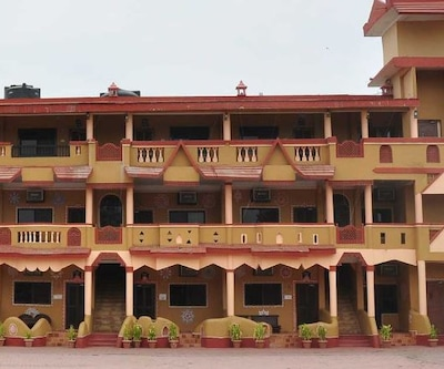 Nakhrali Dhani Resort,Indore
