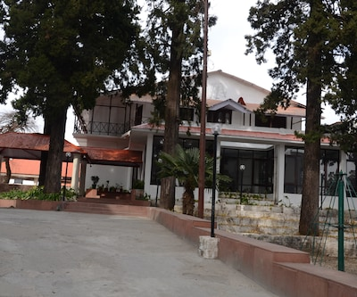 Hotel Connaught Castle,Mussoorie