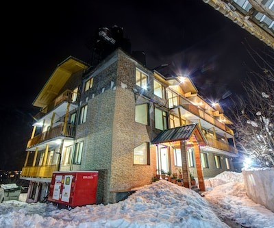 Hotel Mountain Face,Manali