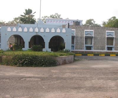 Hotel Mayura Bhuvaneshwari Kamalapur,Hampi