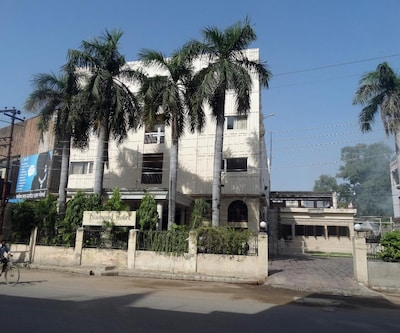 Diamond Hotel,Varanasi