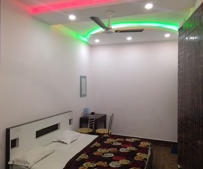 Hotel Super Star,Jammu
