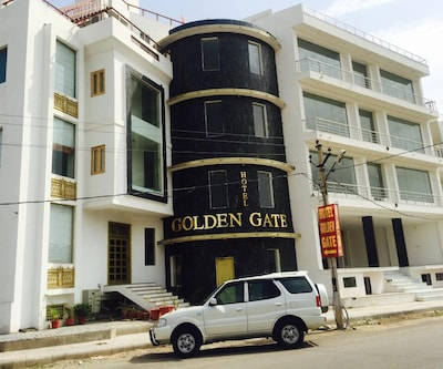 Golden Sands by One Hotels