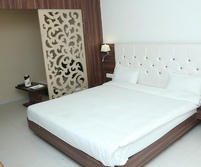 Hotel Sudarshan City Walk,Bhopal