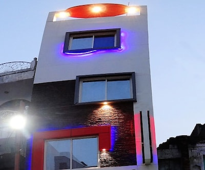 Hotel MJ,Ujjain