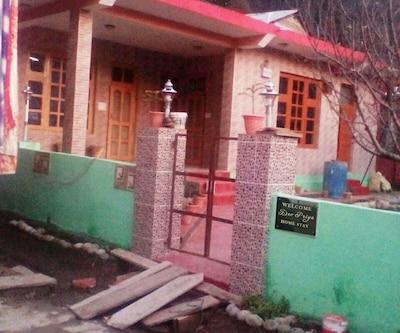 Hotel Dev Priya,Manali