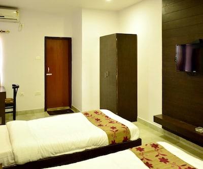 Hotel Arya Inn,Guwahati