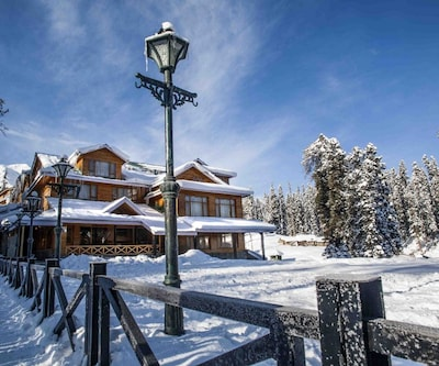 Heevan Retreat,Gulmarg