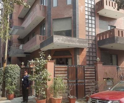 Hotel B & B Inn,Noida