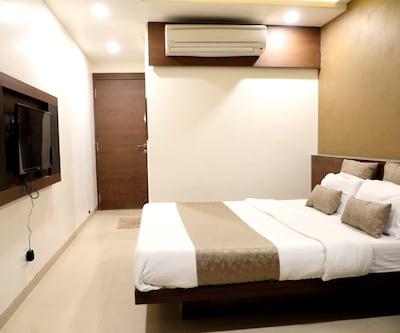 Adarsh Palace Hotel,Bhopal