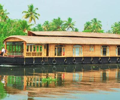 Welcome Cruise Two,Alleppey