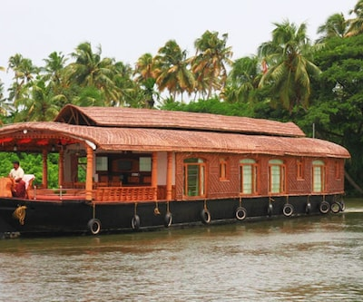 Welcome Cruise Three,Alleppey