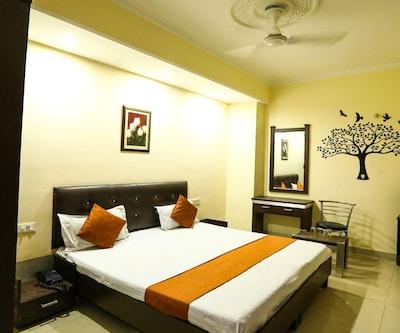 Hotel Sukhman International