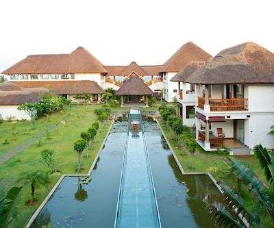 Le Pondy Beach And Lake Resort