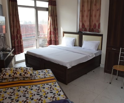 1st Choice Hotel,Chandigarh