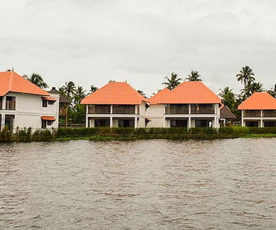 Paloma backwater Resort,Alleppey