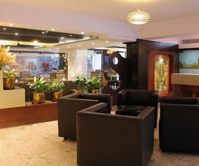 Hotel Dee Empresa