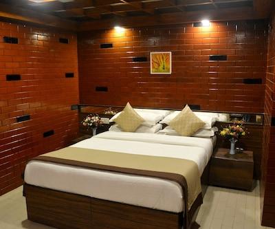 Hotel Panorama,Mahabaleshwar