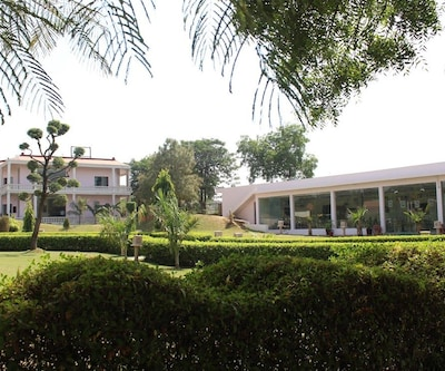 Raj Mahal Resort