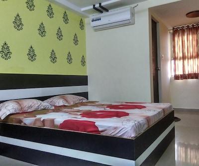 Hotel Prince Palace,Ahmedabad