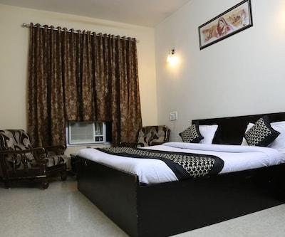 Hotel Vatsalya, Shivaji Nagar,