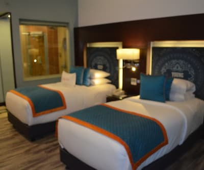 Zone Double Room Only, https://imgcld.yatra.com/ytimages/image/upload/c_fill,w_400,h_333/v1496140801/Hotel/Chennai/00054320/Zone_Room_rE08pQ.jpg