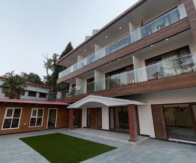 Hotel Seven Oaks,Mussoorie