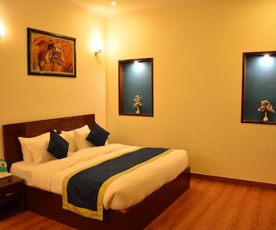 Clarissa Resort, Jhirna Road,