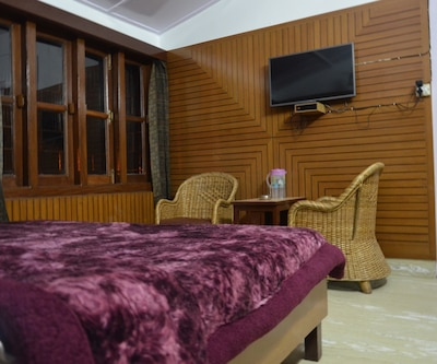 Hotel Clarks, Mall Road,