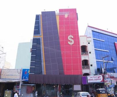 Hotel Dollars Grand