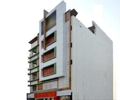 Hotel Arjun International,Lucknow