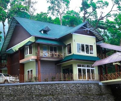 RaaRees Mist Resort,Munnar