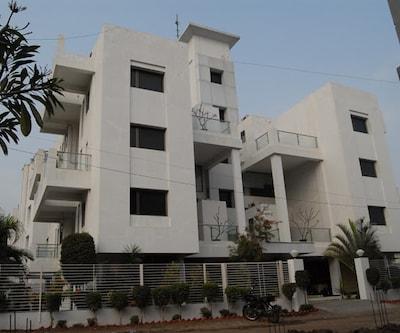 Avezeekaa Service Apartment,Pune