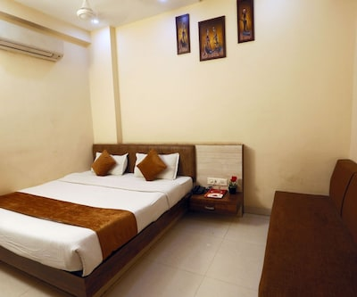 Deluxe Single Room Only,