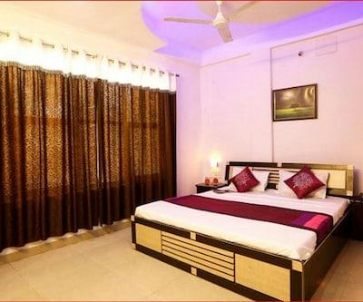 Hotel Plaza Inn,Bhopal