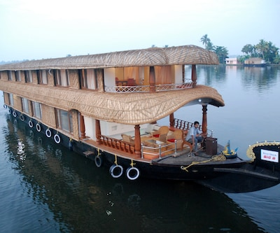 Big B Houseboats,Alleppey
